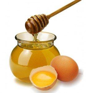 маска с медом и яйцом