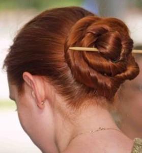 закалываем длинные волосы