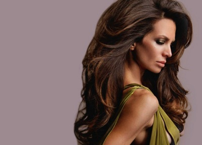 Как правильно высушить волосы феном для придания объема корням