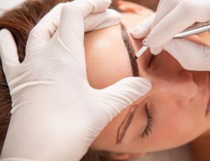 Результат татуажа бровей оценивается по прошествии двух недель
